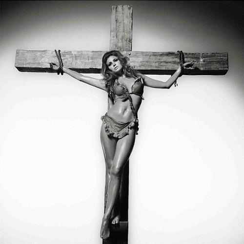 Raquel Welch on Cross