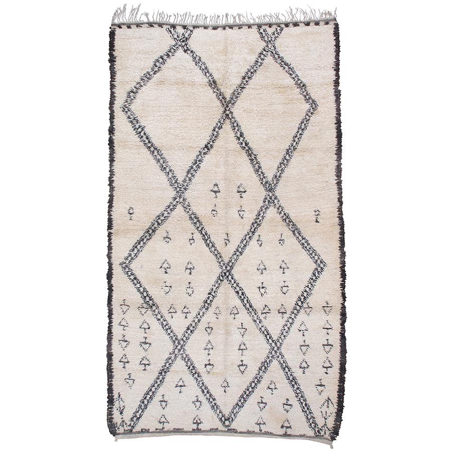Bedroom Rugs_0002_20 Beni Ouarain or Marmoucha Carpet
