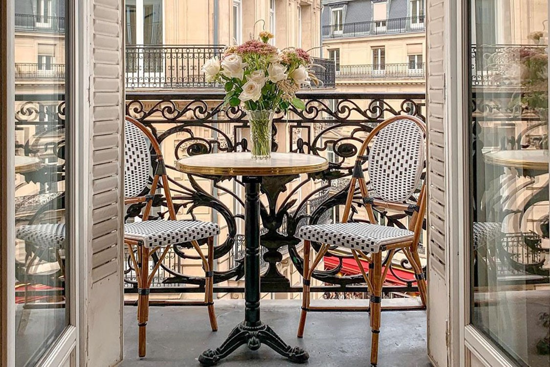 Balcony Furniture_Feature