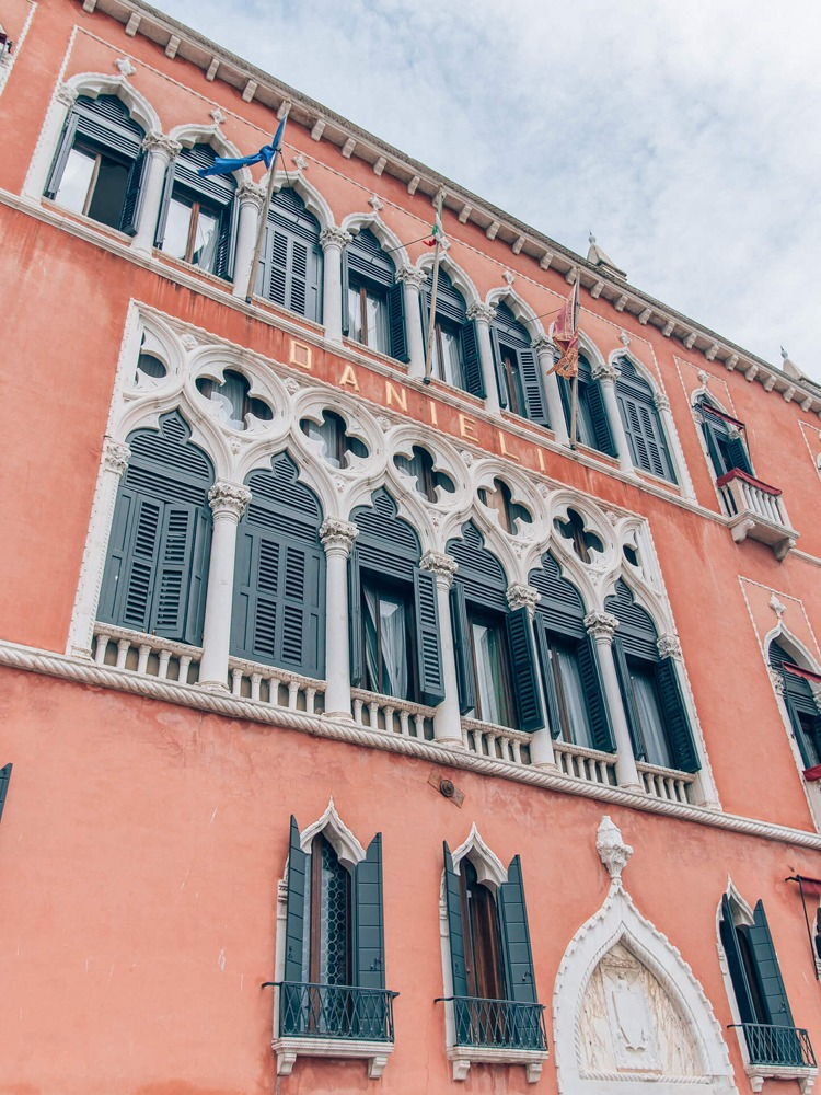 Colors That Go With Pink_Architecture_Hotel Danieli in Venice Italy_5