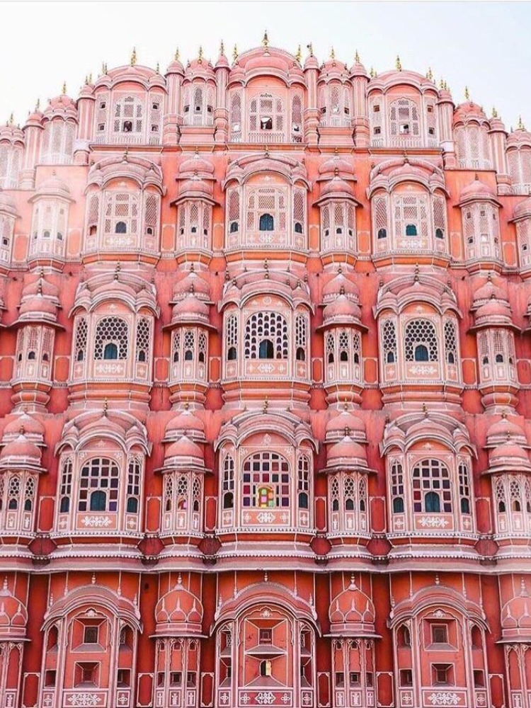 Colors That Go With Pink_Architecture_Jaipur, India Hawa Mahal_1