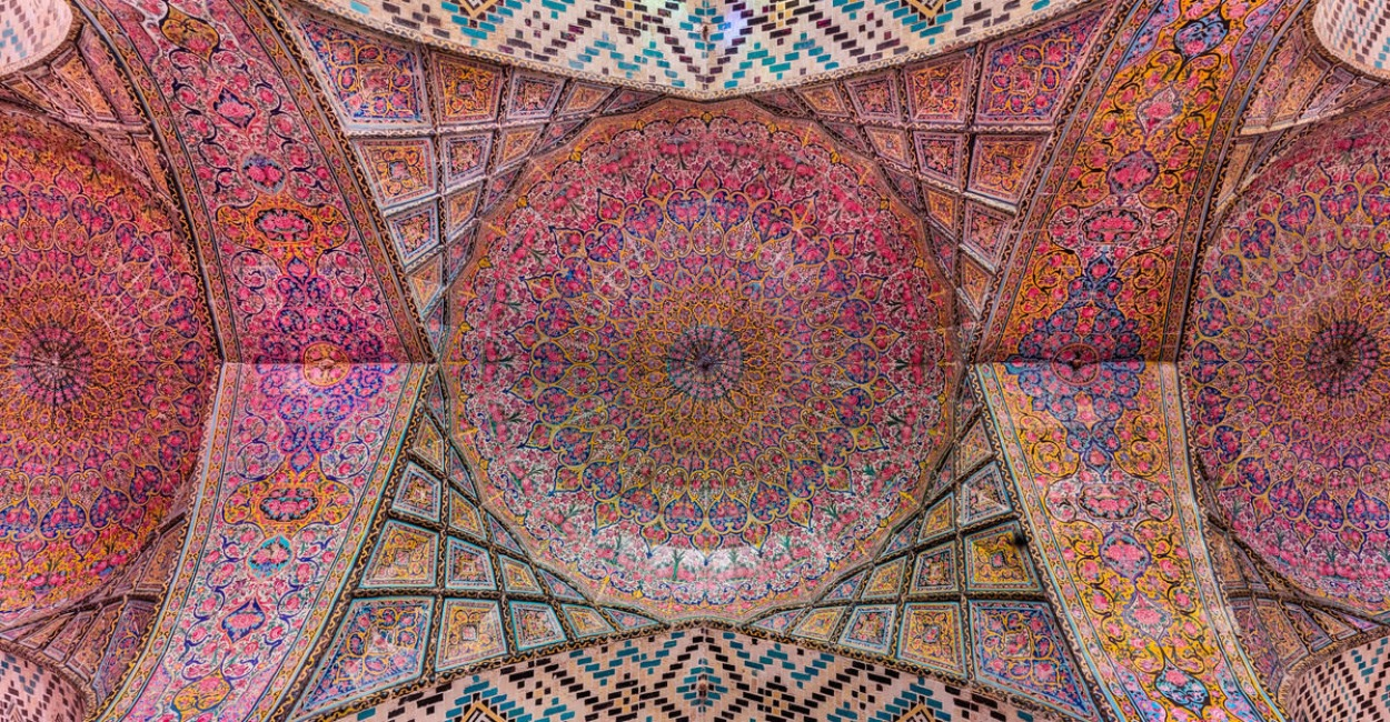 Colors That Go With Pink_Architecture_The Pink Mosque in Shiraz Iran_3