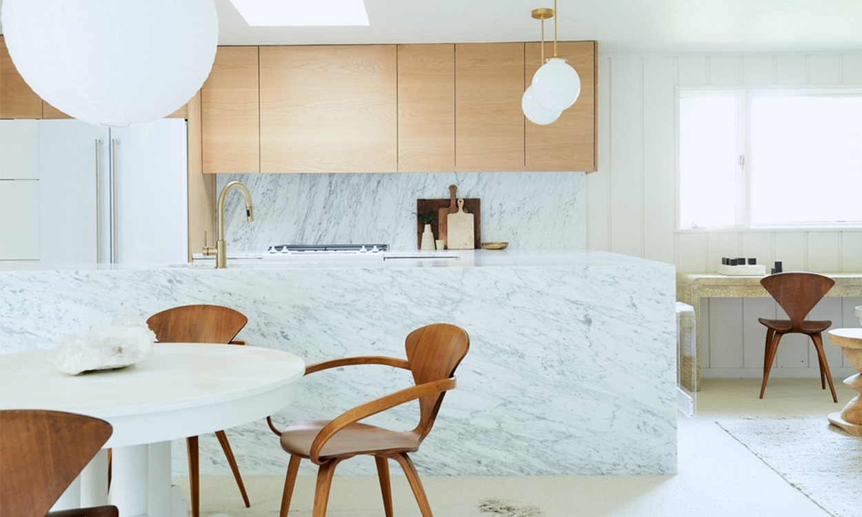 2_Houzz_u-shaped eat-in kitchen