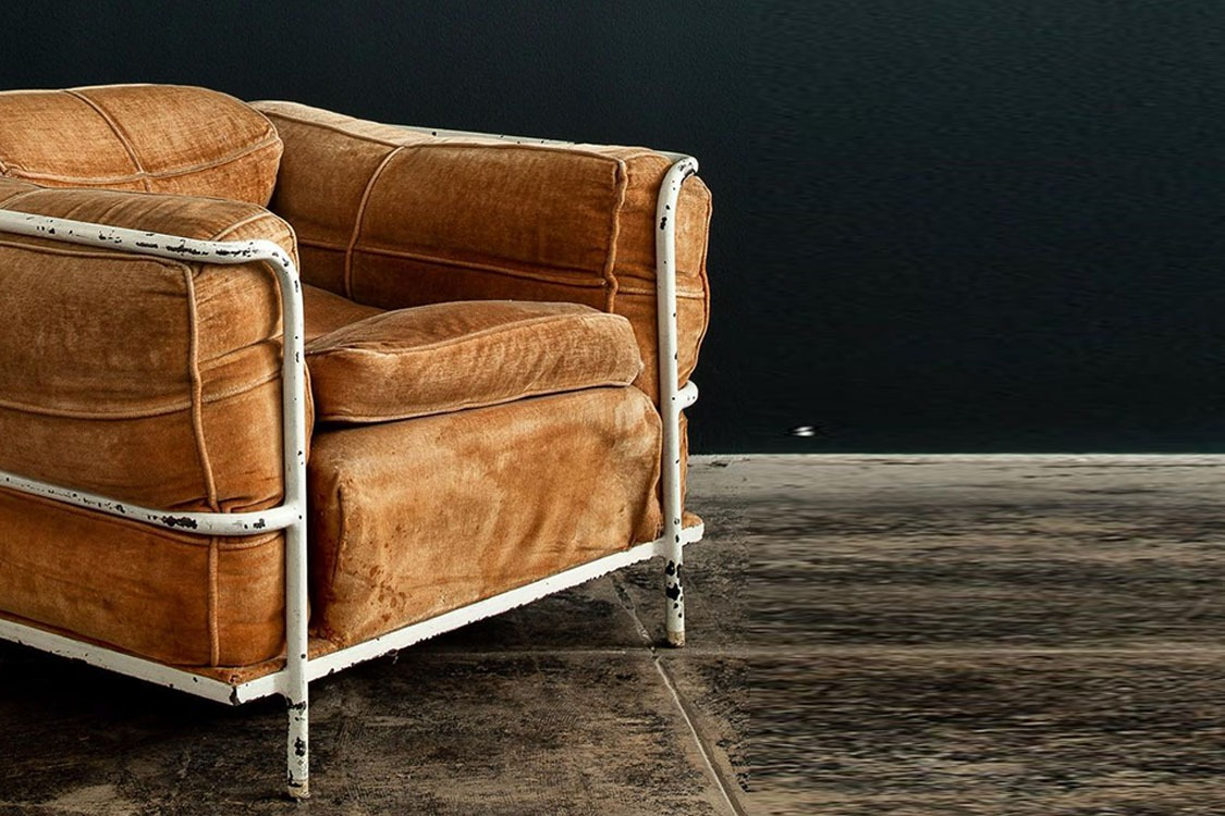 Distressed Furniture_Feature