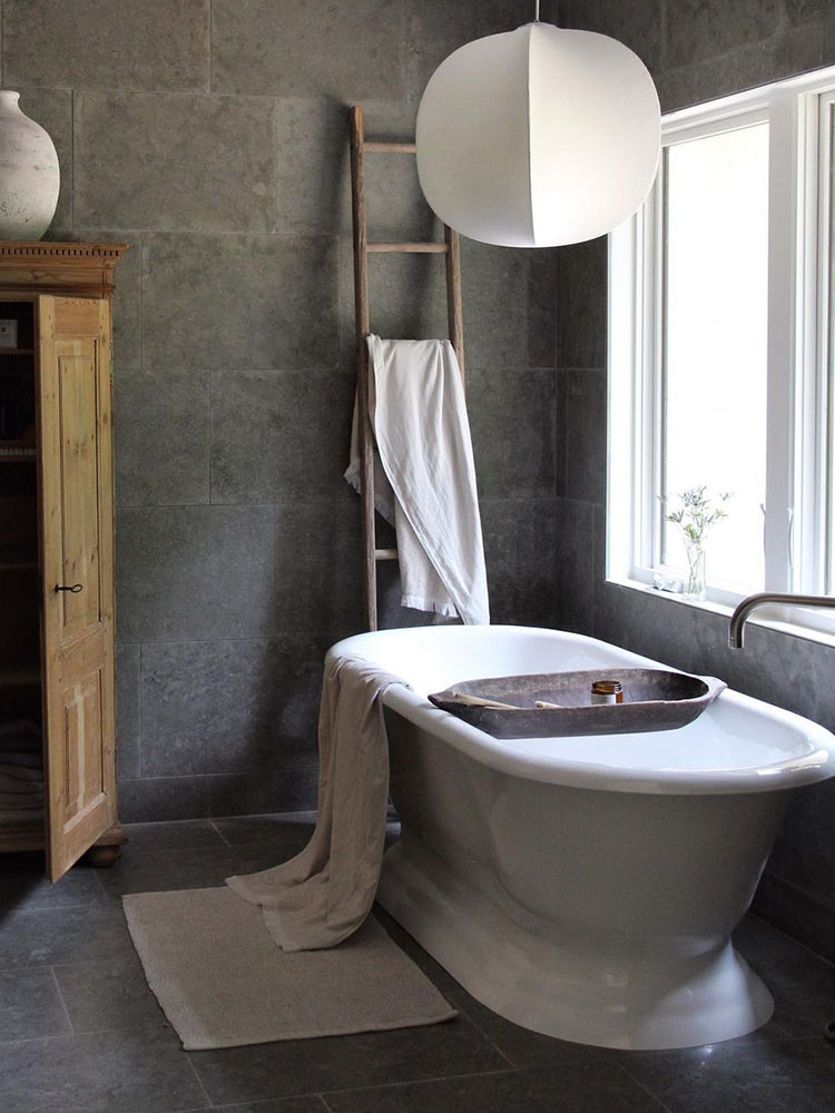 Cast Iron Tubs_6 Photo courtesy of @homeathand