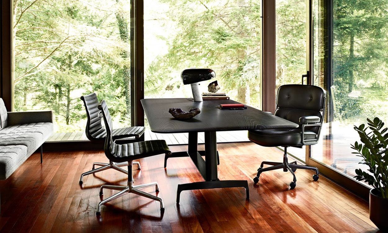 Mid Century Modern Chair_Courtesy of Herman Miller