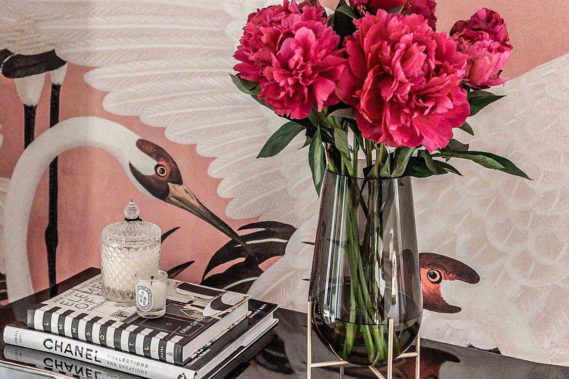 Luxury Vases 1_ Holding_Featured Image