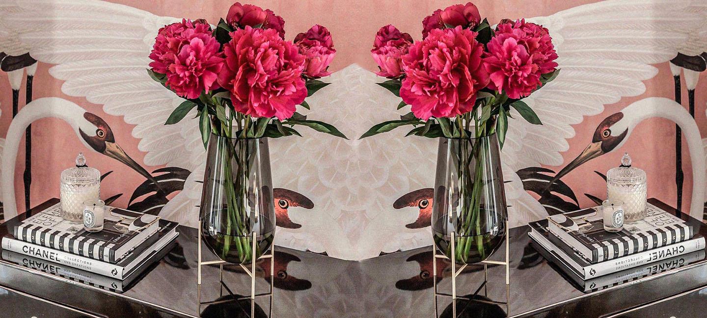 Luxury Vases 1_ Holding_Hero (Holding) Image