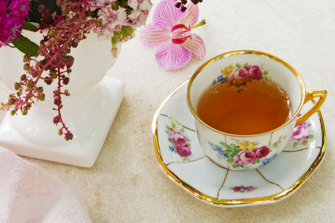 Tea Cups _ Holding_Featured Image