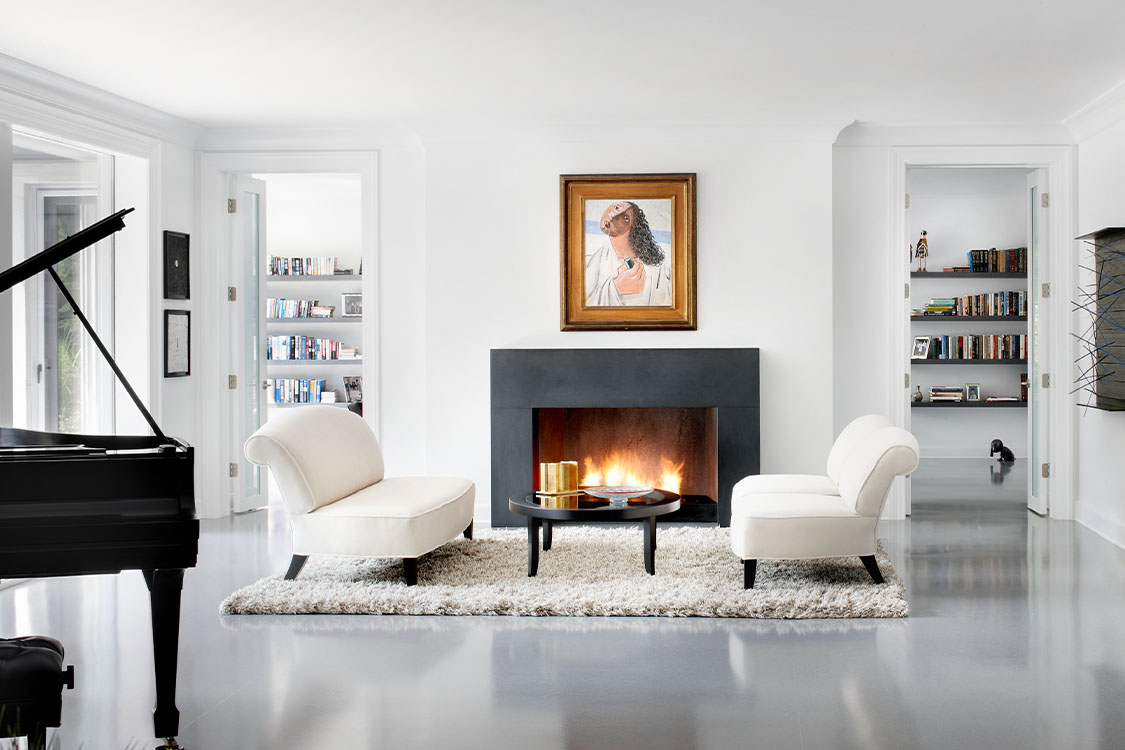 Modern Living Room _ Holding_Featured Image